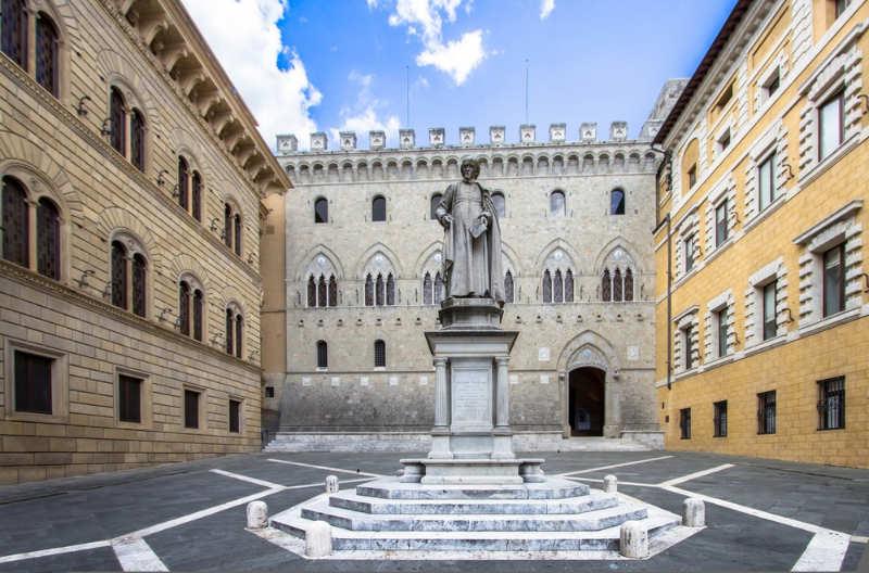 Piazza Salimbeni - que ver en siena