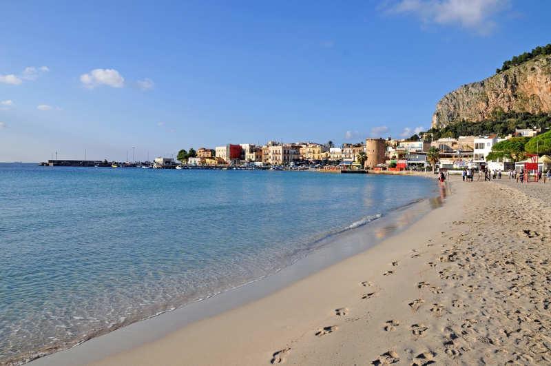 Playa Mondello - que ver en palermo