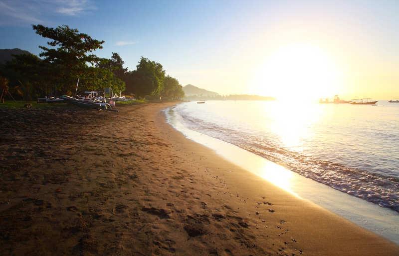 Playa Pemuteran - playas bali