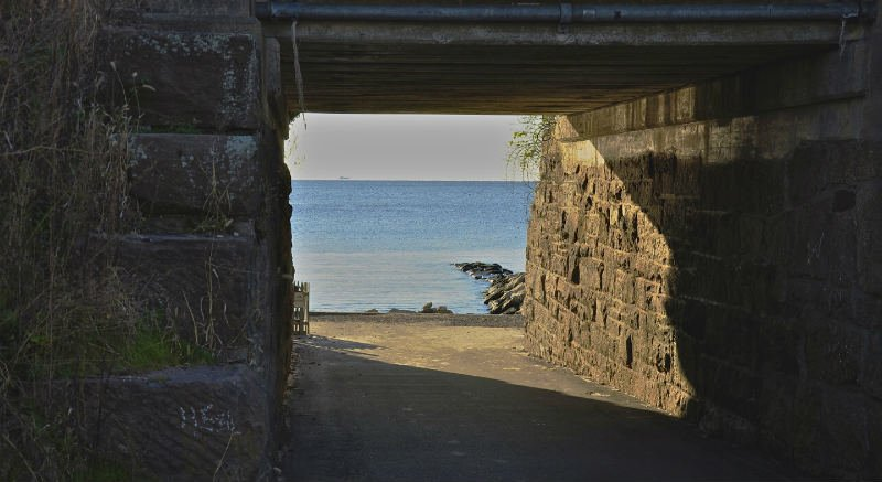 Hole-in-the-Wall-Beach-conneticut