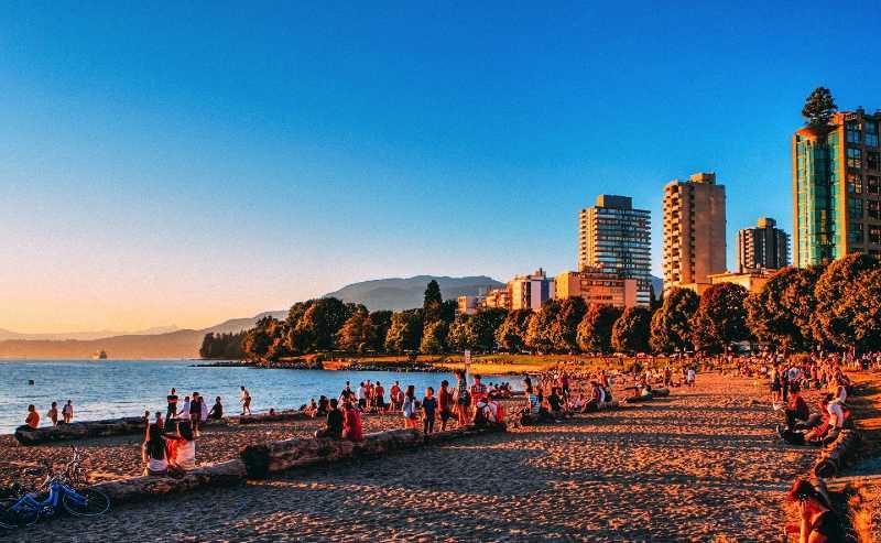 english bay beach vancouver atardecer